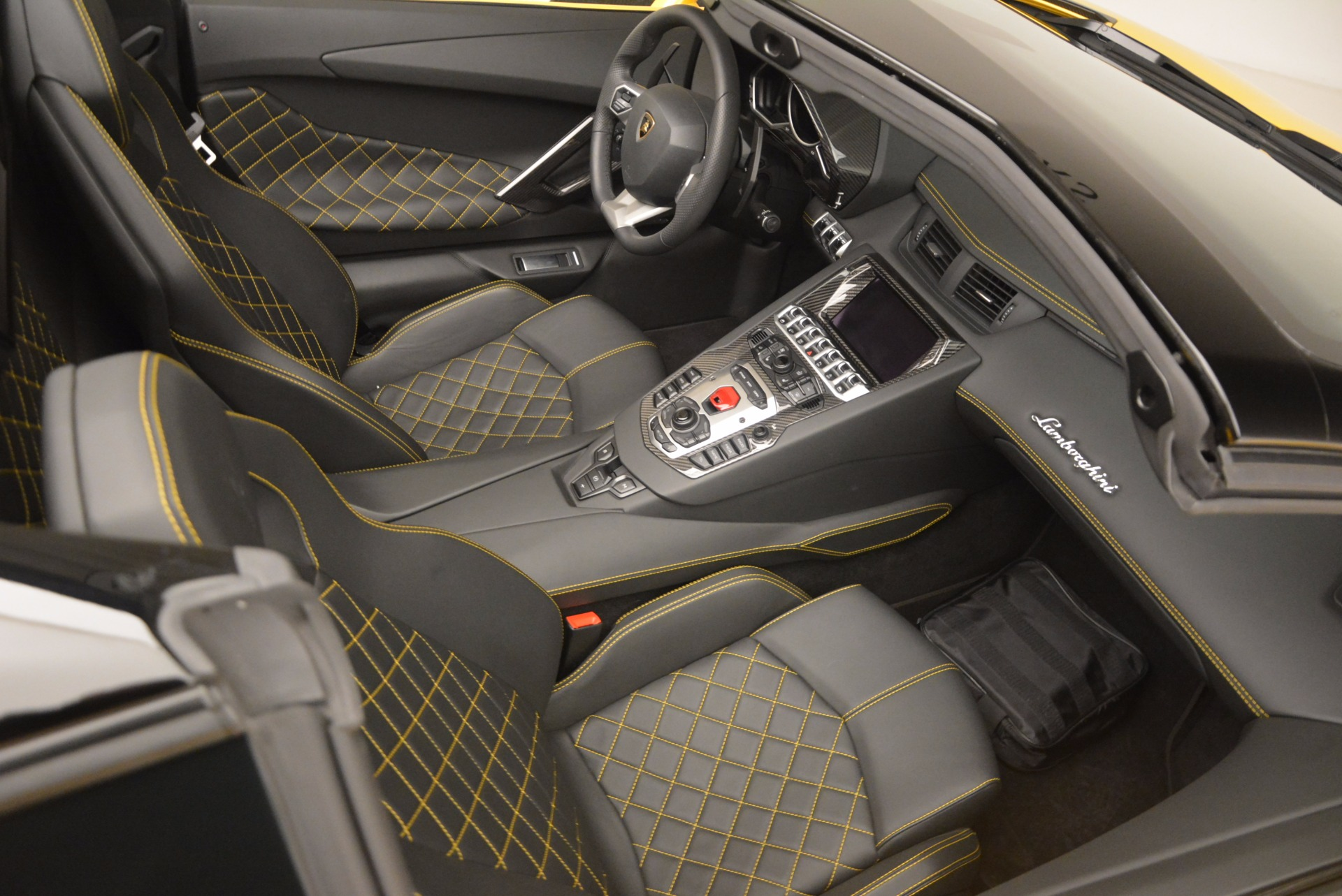 Used 2015 Lamborghini Aventador LP 700-4 Roadster For Sale 0 In Greenwich, CT