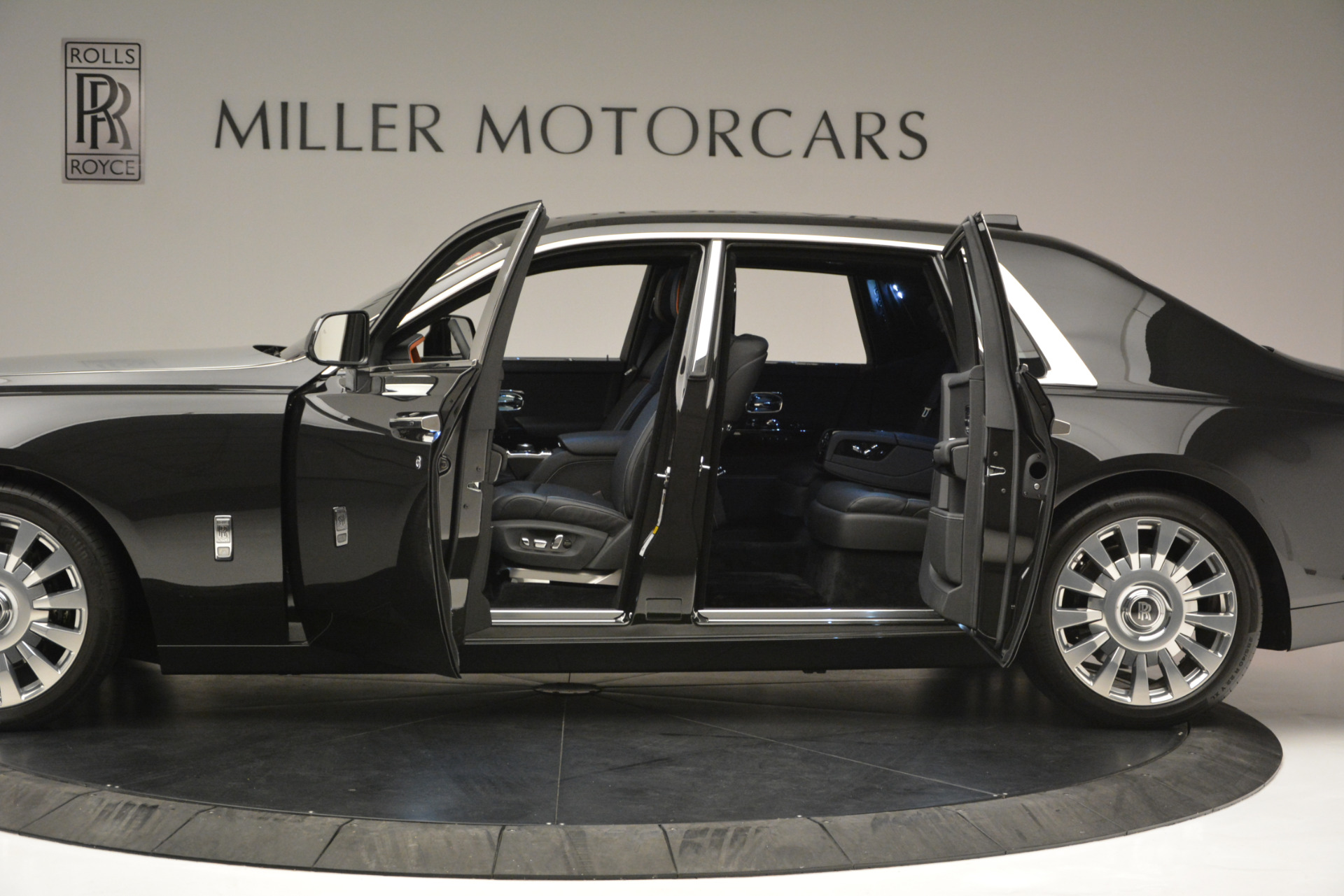 Used 2018 Rolls-Royce Phantom  For Sale 550885 In Greenwich, CT
