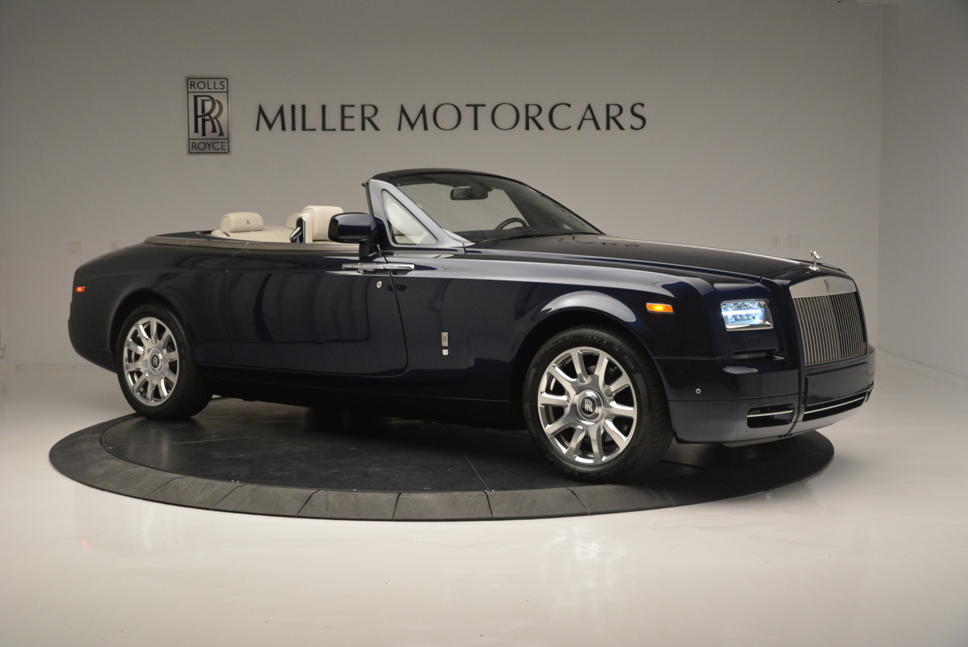 Used 2014 Rolls-Royce Phantom Drophead Coupe  For Sale 514850 In Greenwich, CT