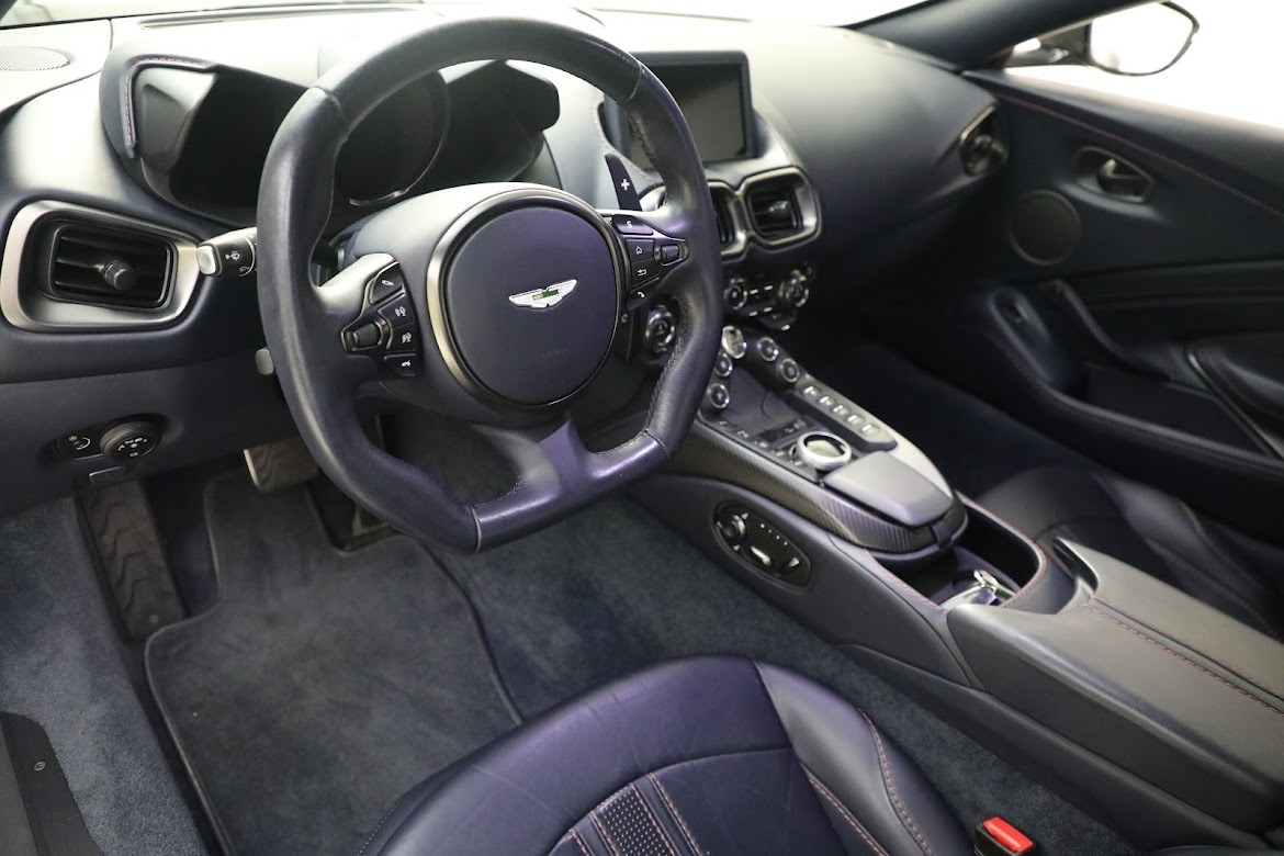 New 2019 Aston Martin Vantage V8 For Sale 191209 In Greenwich, CT