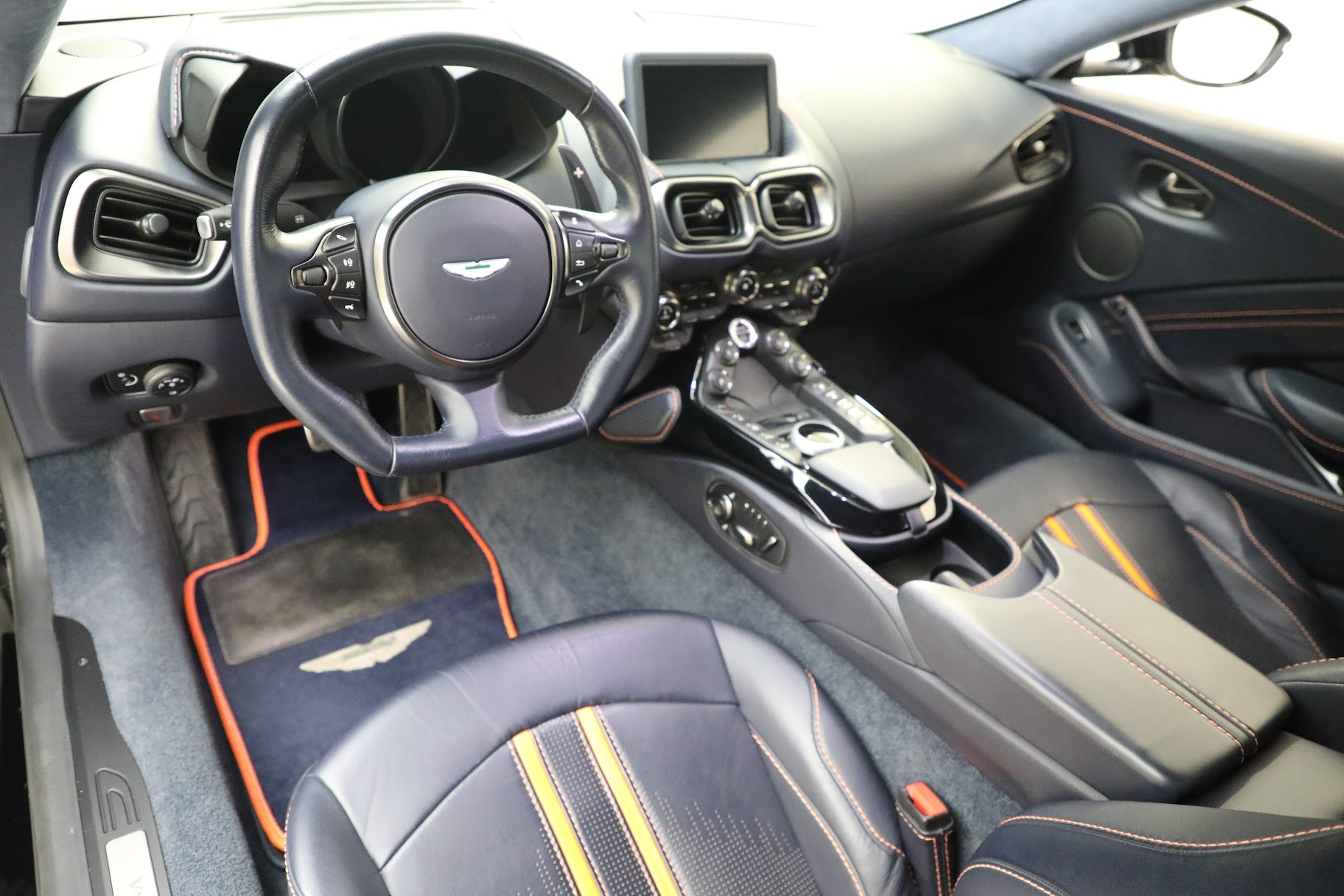 New 2019 Aston Martin Vantage  For Sale 190529 In Greenwich, CT