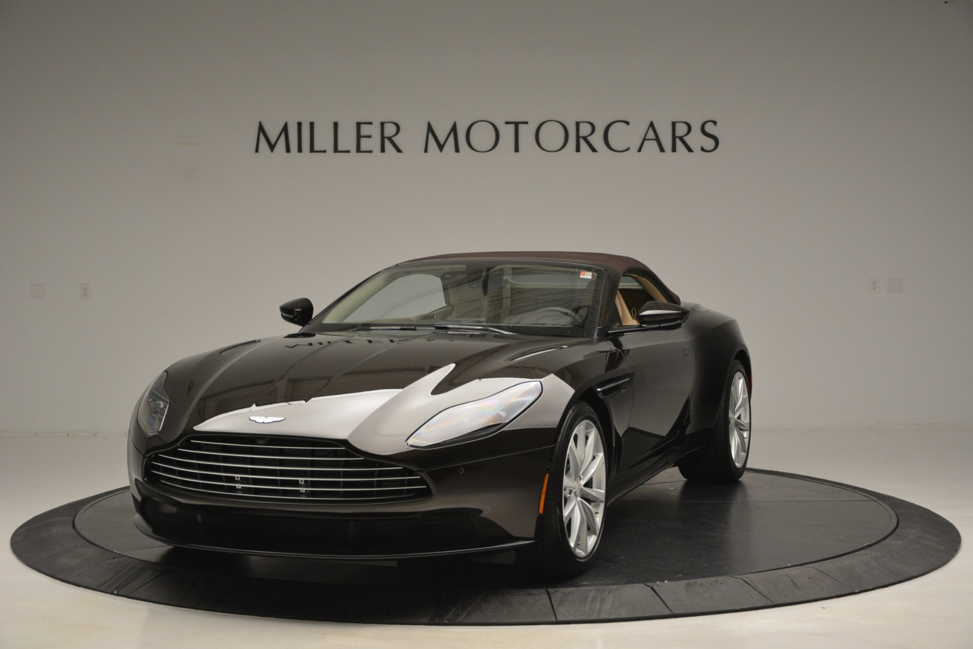 New 2019 Aston Martin DB11 V8 Convertible For Sale 255063 In Greenwich, CT