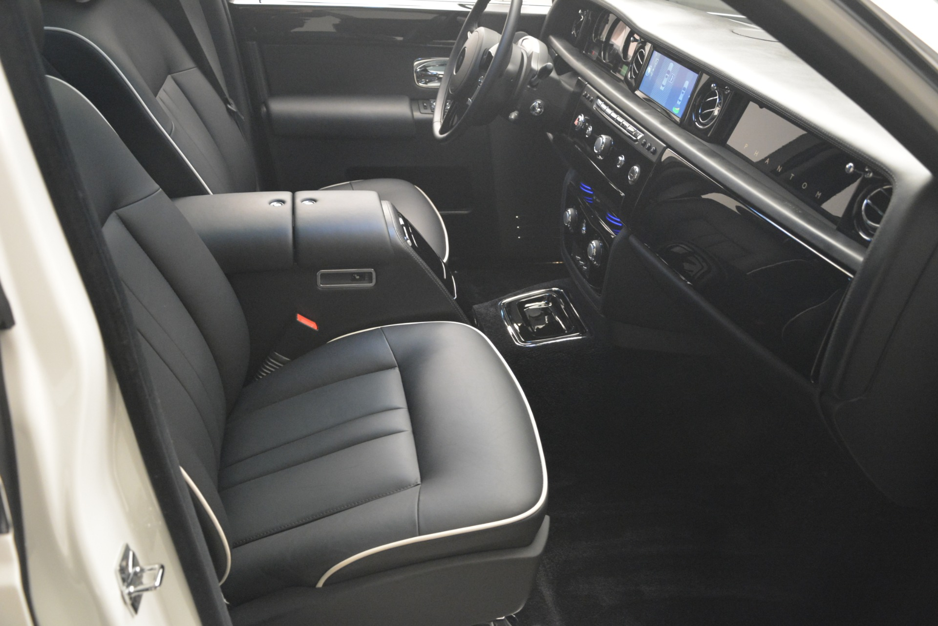 Used 2014 Rolls-Royce Phantom  For Sale 235900 In Greenwich, CT