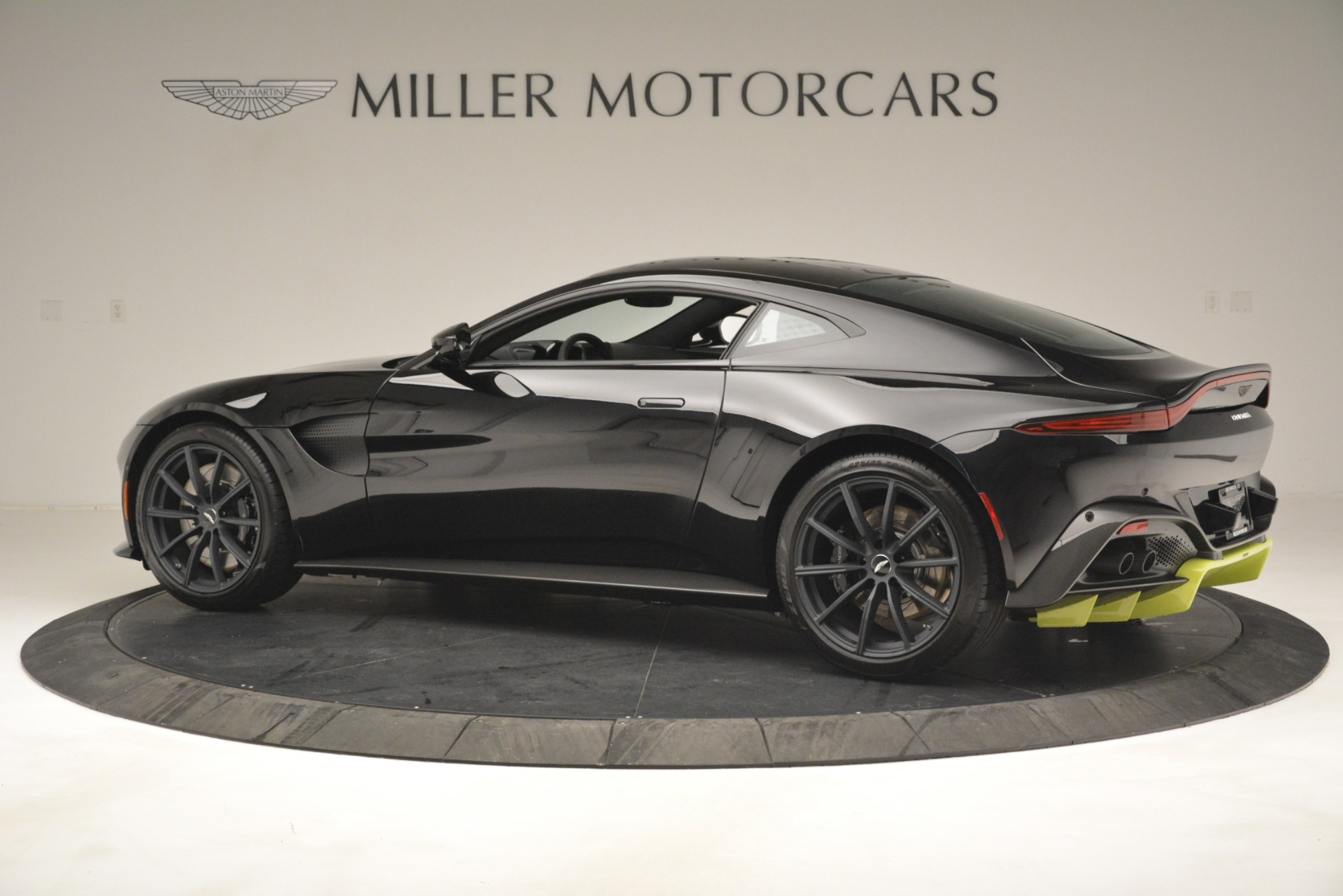 New 2019 Aston Martin Vantage Coupe For Sale 207962 In Greenwich, CT