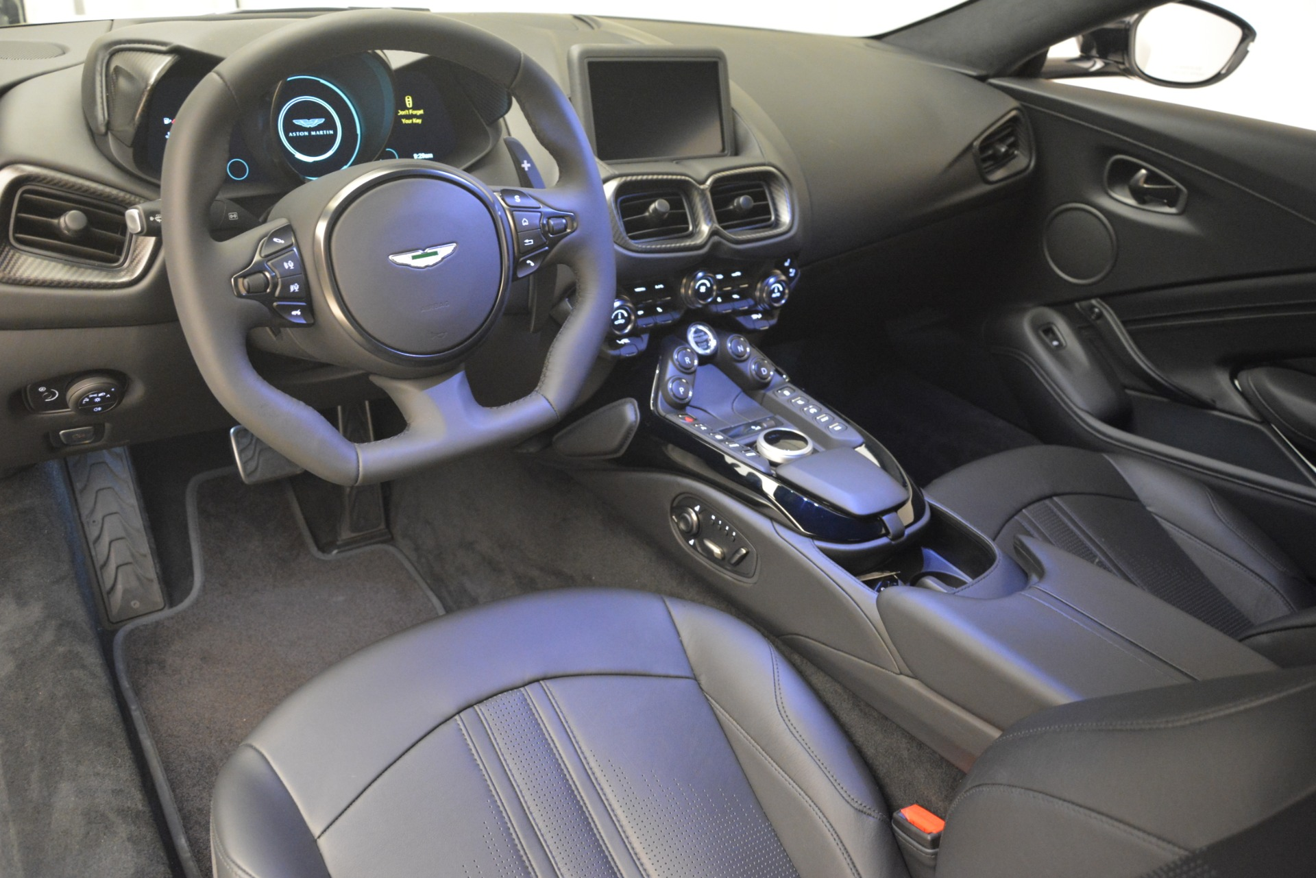 New 2019 Aston Martin Vantage Coupe For Sale 187552 In Greenwich, CT