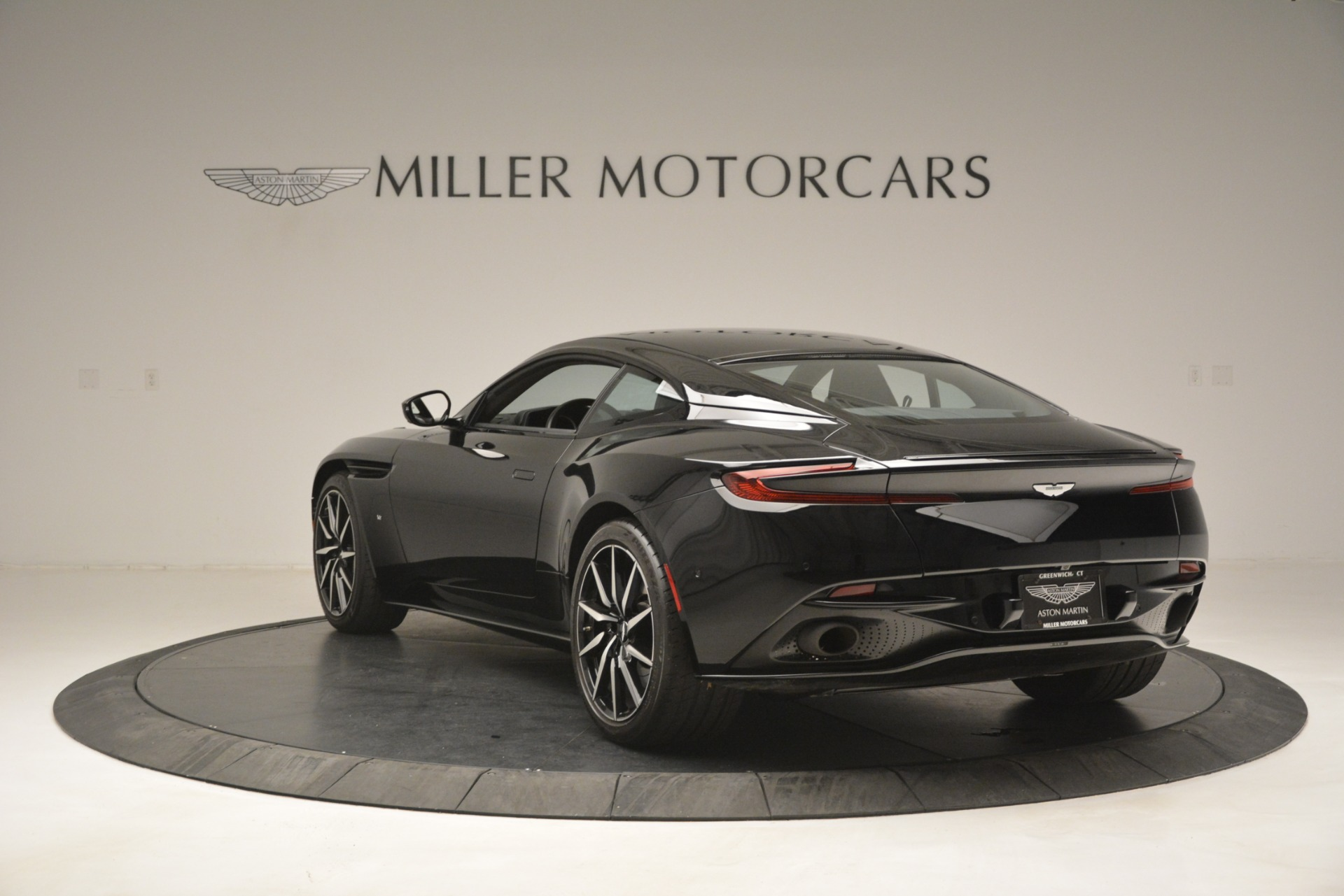 Used 2017 Aston Martin DB11 V12 Coupe For Sale 160900 In Greenwich, CT