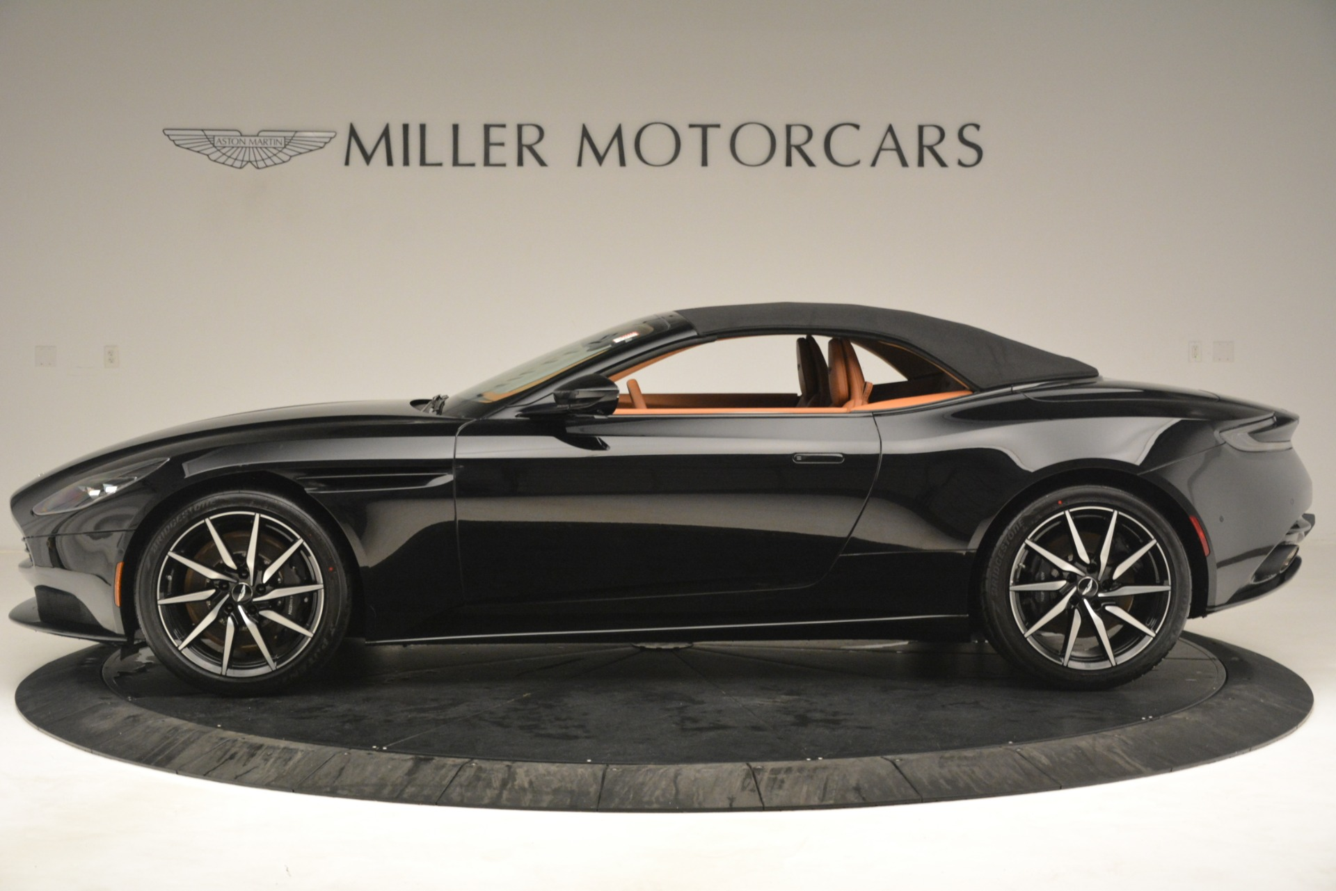 New 2019 Aston Martin DB11 V8 Convertible For Sale 262166 In Greenwich, CT