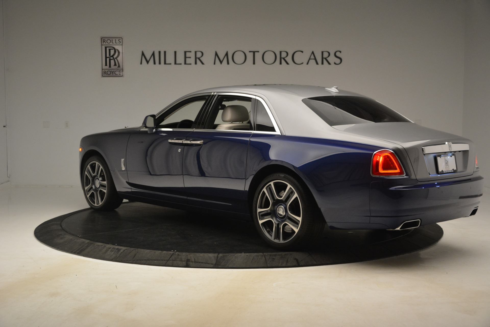 Used 2016 Rolls-Royce Ghost  For Sale 370725 In Greenwich, CT