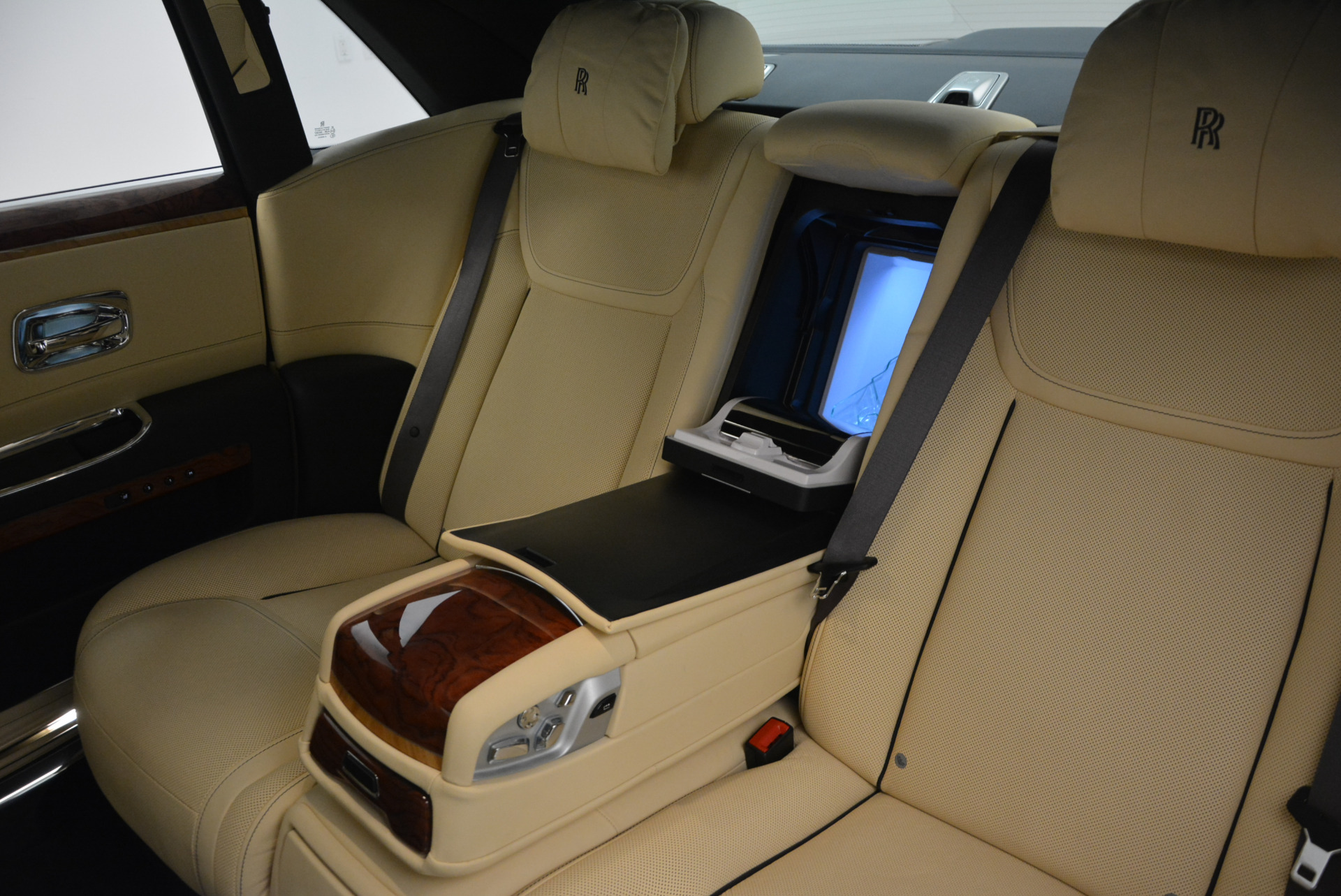 Used 2016 Rolls-Royce Ghost EWB For Sale 0 In Greenwich, CT