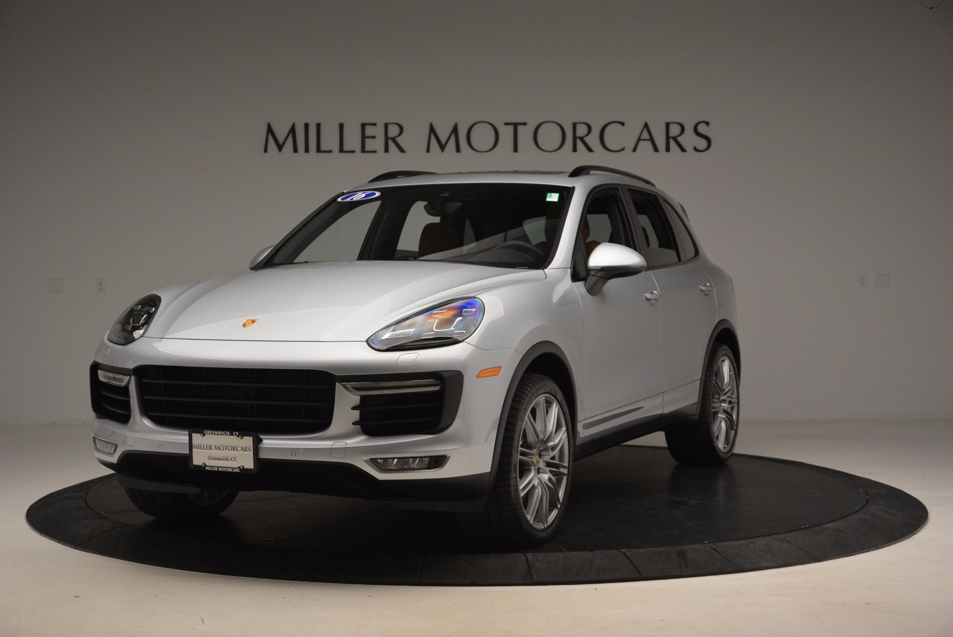 Used 2016 Porsche Cayenne Turbo for sale Sold at Aston Martin of Greenwich in Greenwich CT 06830 1