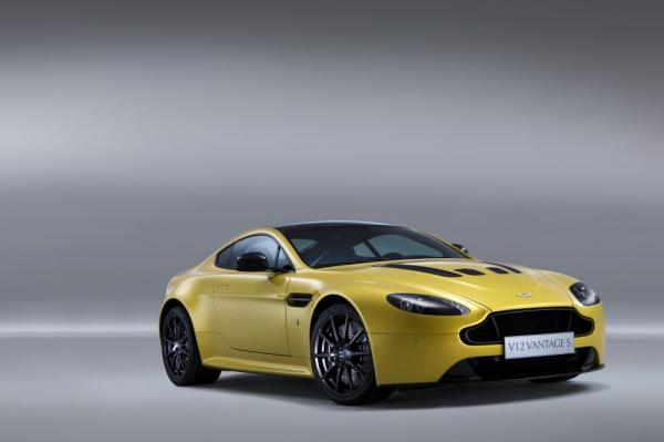 New 2017 Aston Martin V12 Vantage S for sale Sold at Aston Martin of Greenwich in Greenwich CT 06830 3