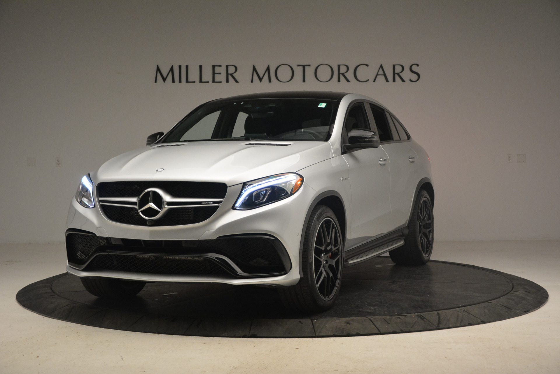 Used 2016 Mercedes Benz AMG GLE63 S for sale Sold at Aston Martin of Greenwich in Greenwich CT 06830 1
