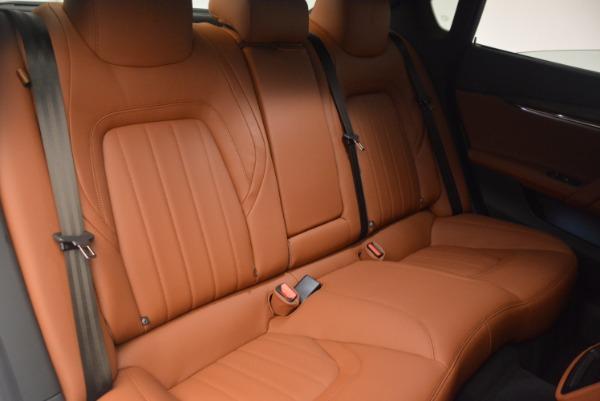 Used 2017 Maserati Quattroporte SQ4 for sale $53,900 at Aston Martin of Greenwich in Greenwich CT 06830 21