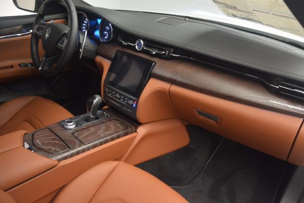 Used 2017 Maserati Quattroporte SQ4 for sale $53,900 at Aston Martin of Greenwich in Greenwich CT 06830 22