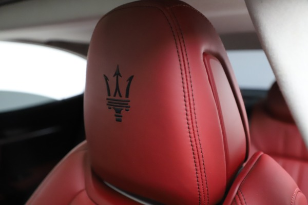 Used 2017 Maserati Ghibli S Q4 for sale Sold at Aston Martin of Greenwich in Greenwich CT 06830 17