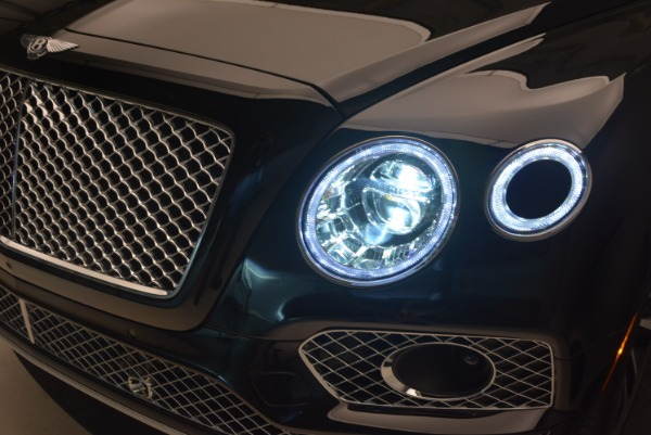 Used 2017 Bentley Bentayga for sale Sold at Aston Martin of Greenwich in Greenwich CT 06830 18