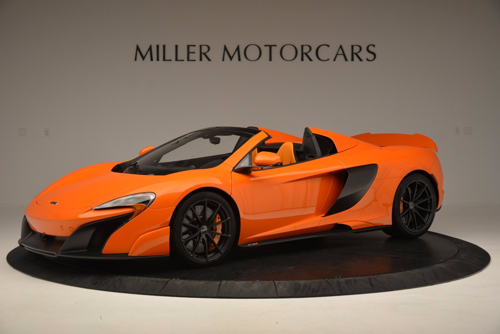 Used 2016 McLaren 675LT Spider Convertible for sale Sold at Aston Martin of Greenwich in Greenwich CT 06830 1
