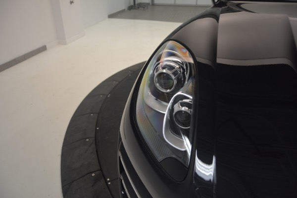 Used 2016 Porsche Macan Turbo for sale Sold at Aston Martin of Greenwich in Greenwich CT 06830 13