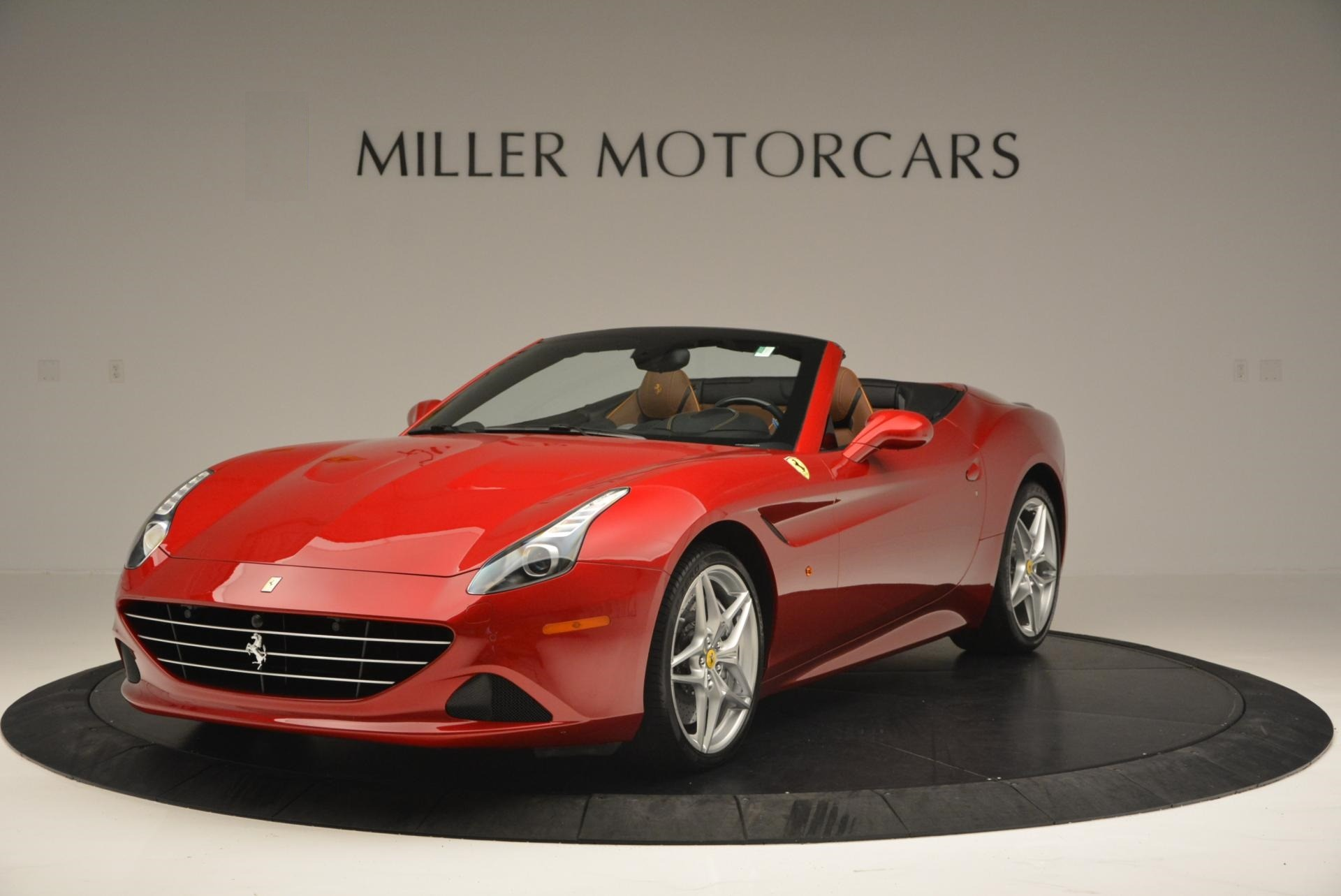 Used 2015 Ferrari California T for sale Sold at Aston Martin of Greenwich in Greenwich CT 06830 1