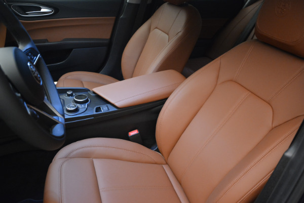 New 2017 Alfa Romeo Giulia Q4 for sale Sold at Aston Martin of Greenwich in Greenwich CT 06830 10