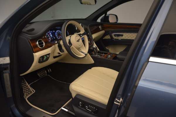 New 2018 Bentley Bentayga for sale Sold at Aston Martin of Greenwich in Greenwich CT 06830 22