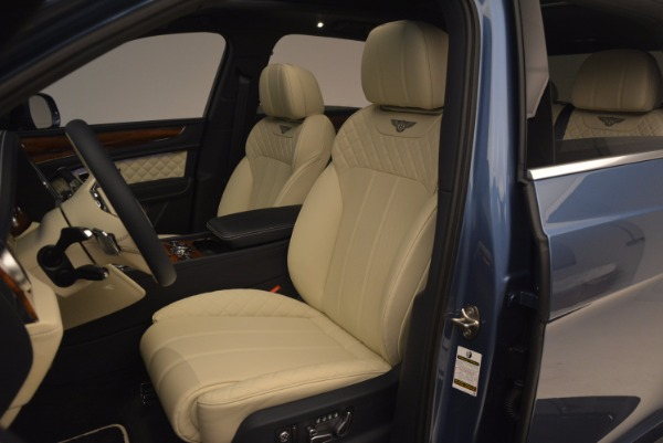 New 2018 Bentley Bentayga for sale Sold at Aston Martin of Greenwich in Greenwich CT 06830 24