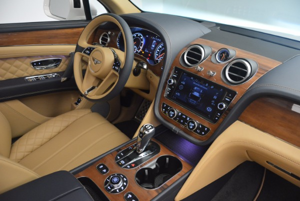 New 2018 Bentley Bentayga W12 Signature for sale Sold at Aston Martin of Greenwich in Greenwich CT 06830 28