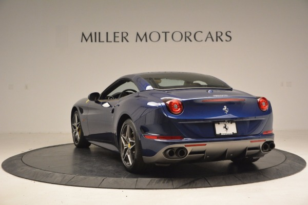 Used 2017 Ferrari California T Handling Speciale for sale $189,900 at Aston Martin of Greenwich in Greenwich CT 06830 17