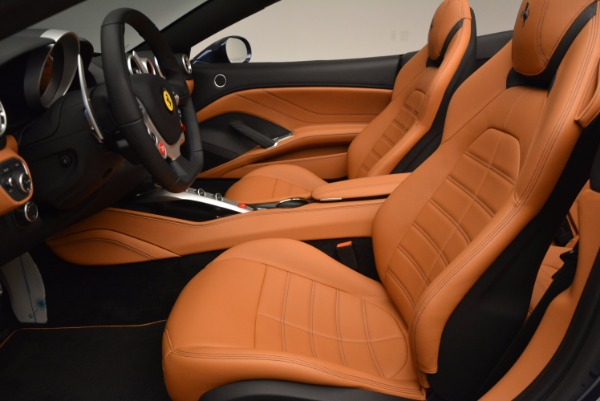 Used 2017 Ferrari California T Handling Speciale for sale $189,900 at Aston Martin of Greenwich in Greenwich CT 06830 26