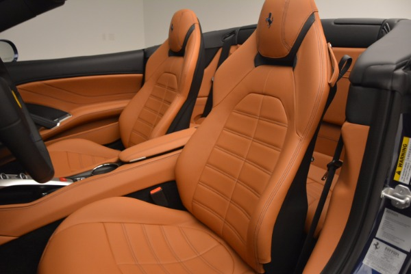 Used 2017 Ferrari California T Handling Speciale for sale $189,900 at Aston Martin of Greenwich in Greenwich CT 06830 27