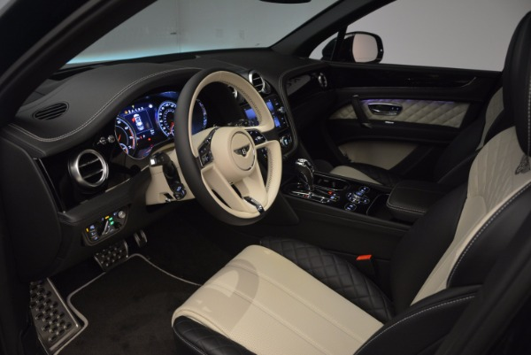 New 2018 Bentley Bentayga Signature for sale Sold at Aston Martin of Greenwich in Greenwich CT 06830 24