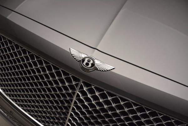 New 2018 Bentley Bentayga for sale Sold at Aston Martin of Greenwich in Greenwich CT 06830 17