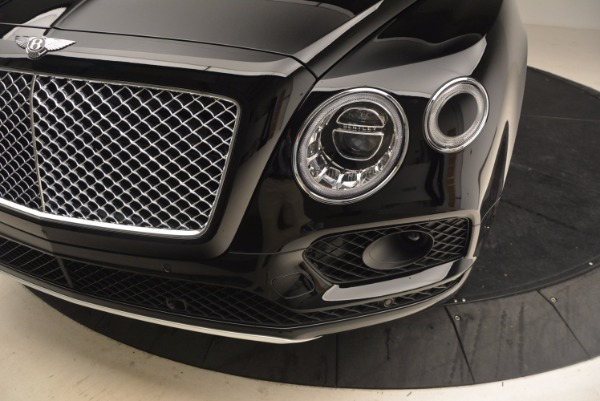 Used 2018 Bentley Bentayga Onyx Edition for sale $147,900 at Aston Martin of Greenwich in Greenwich CT 06830 14