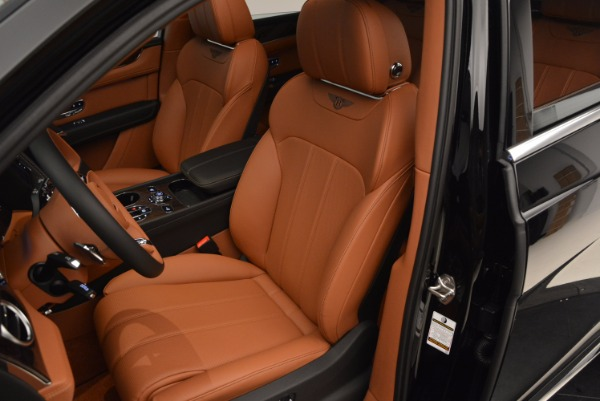 Used 2018 Bentley Bentayga Onyx Edition for sale $149,900 at Aston Martin of Greenwich in Greenwich CT 06830 23