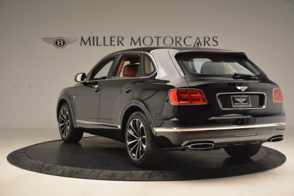 Used 2018 Bentley Bentayga Onyx Edition for sale $149,900 at Aston Martin of Greenwich in Greenwich CT 06830 5