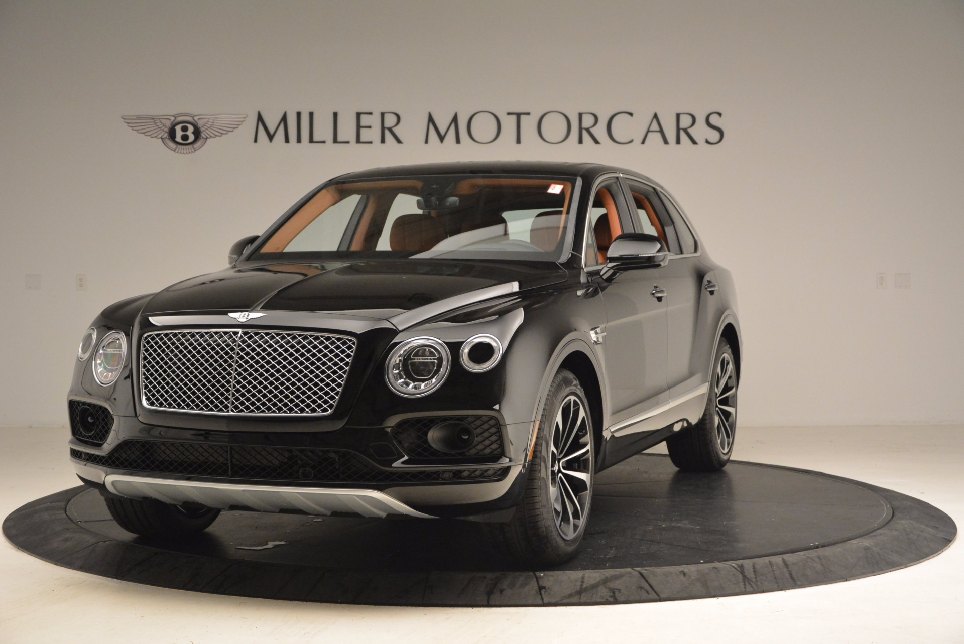 Used 2018 Bentley Bentayga Onyx Edition for sale $149,900 at Aston Martin of Greenwich in Greenwich CT 06830 1