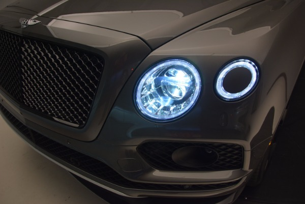 New 2018 Bentley Bentayga Black Edition for sale Sold at Aston Martin of Greenwich in Greenwich CT 06830 18