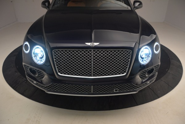 Used 2018 Bentley Bentayga W12 Signature for sale Sold at Aston Martin of Greenwich in Greenwich CT 06830 18