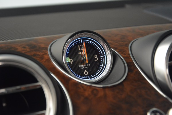 Used 2018 Bentley Bentayga W12 Signature for sale Sold at Aston Martin of Greenwich in Greenwich CT 06830 27