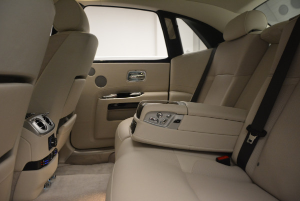 Used 2010 Rolls-Royce Ghost for sale Sold at Aston Martin of Greenwich in Greenwich CT 06830 24
