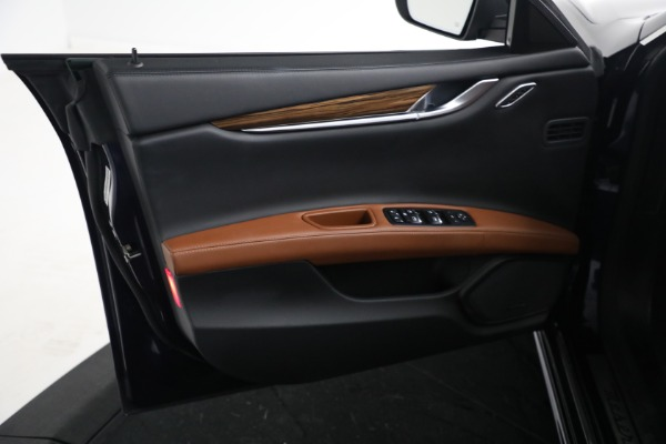 Used 2018 Maserati Ghibli S Q4 GranLusso for sale $56,900 at Aston Martin of Greenwich in Greenwich CT 06830 15