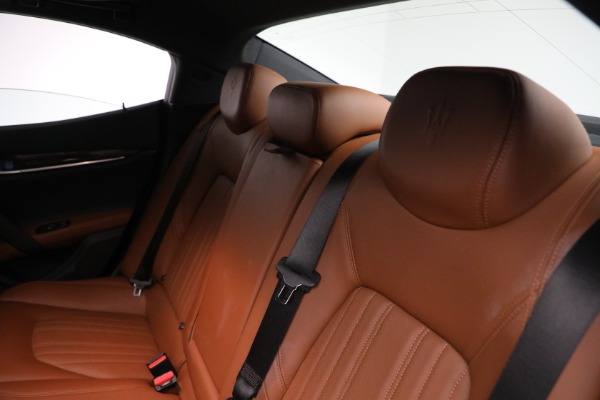 Used 2018 Maserati Ghibli S Q4 GranLusso for sale $56,900 at Aston Martin of Greenwich in Greenwich CT 06830 17