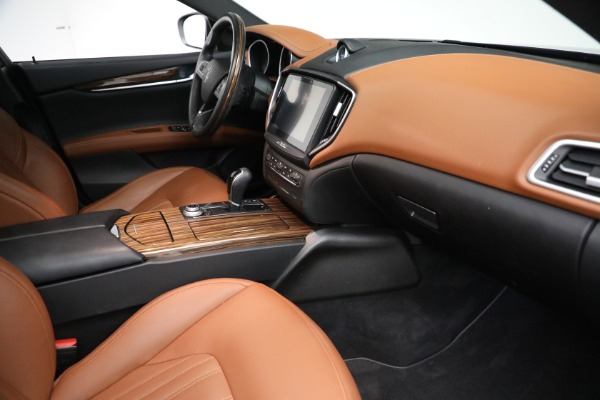 Used 2018 Maserati Ghibli S Q4 GranLusso for sale $56,900 at Aston Martin of Greenwich in Greenwich CT 06830 20
