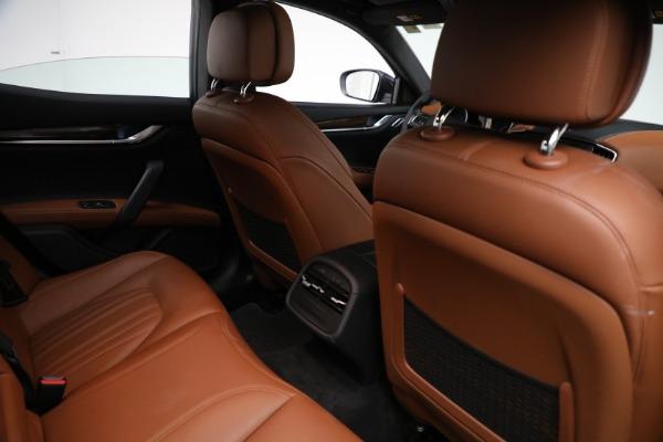 Used 2018 Maserati Ghibli S Q4 GranLusso for sale $56,900 at Aston Martin of Greenwich in Greenwich CT 06830 23