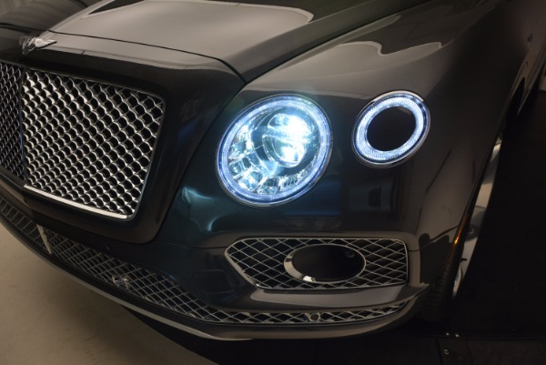 New 2018 Bentley Bentayga Signature for sale Sold at Aston Martin of Greenwich in Greenwich CT 06830 20