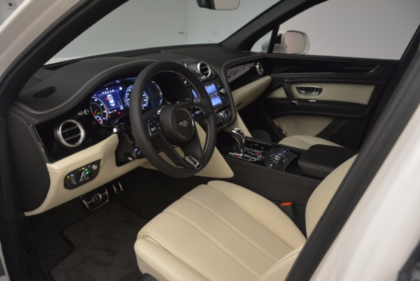 Used 2018 Bentley Bentayga Onyx for sale Sold at Aston Martin of Greenwich in Greenwich CT 06830 16