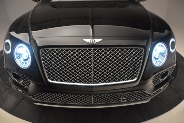 New 2018 Bentley Bentayga Onyx for sale Sold at Aston Martin of Greenwich in Greenwich CT 06830 15
