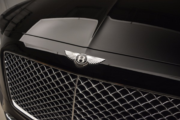 Used 2018 Bentley Bentayga Onyx Edition for sale $139,900 at Aston Martin of Greenwich in Greenwich CT 06830 16