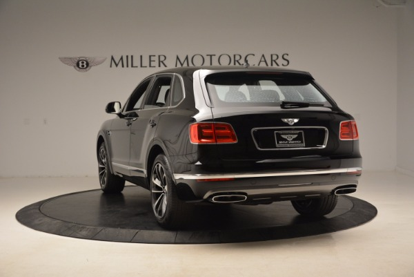 Used 2018 Bentley Bentayga Onyx Edition for sale $139,900 at Aston Martin of Greenwich in Greenwich CT 06830 6