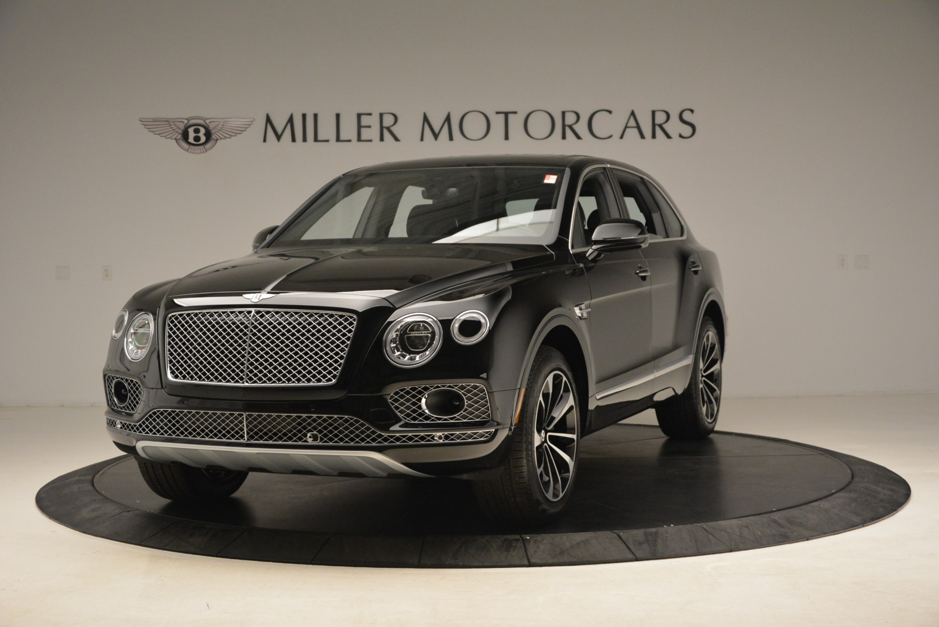 Used 2018 Bentley Bentayga Onyx for sale $145,900 at Aston Martin of Greenwich in Greenwich CT 06830 1